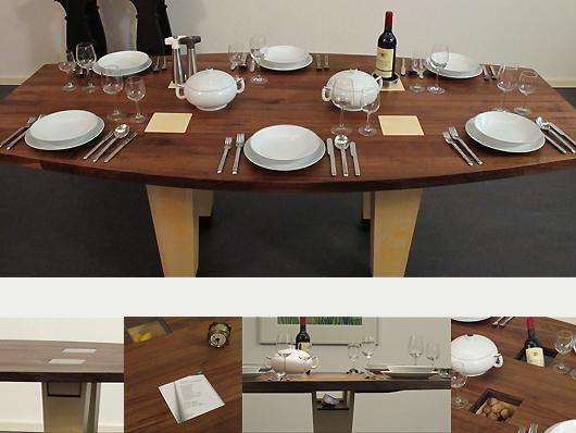 Ovale notenhouten tafel met veel creatieve mogelijkheden